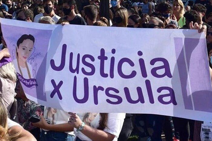 El colectivo Ni Una Menos marcha en Tribunales