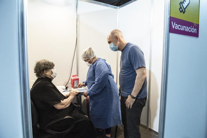 Rodríguez Larreta visitó la posta de vacunación del Centro Cultural Recoleta