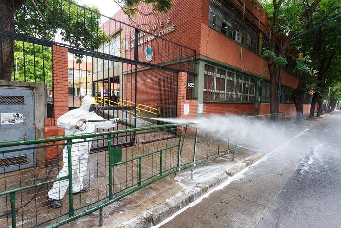 El plan de higienización para que este lunes haya clases en la Ciudad