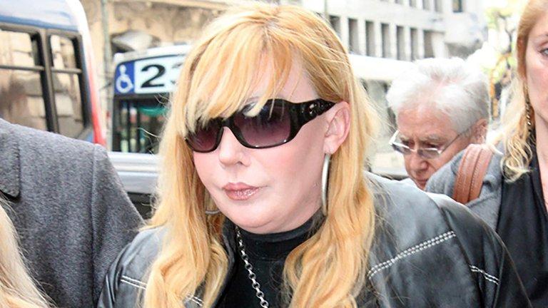 Giselle Rímolo logró la libertad condicional y abandonó el penal de Ezeiza con un bozal mediático